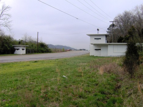 """""""Oak Ridge Bethel Valley Road"""" by Brian Stansberry under Creative Commons Attribution 3.0 Unported"""