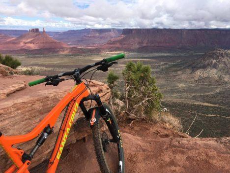 riding Porcupine Rim: Moab, UT